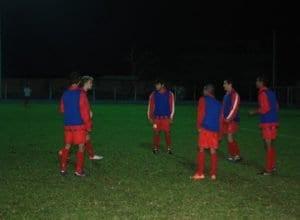 Jogadores do XV de Indaial treinam antes de partida