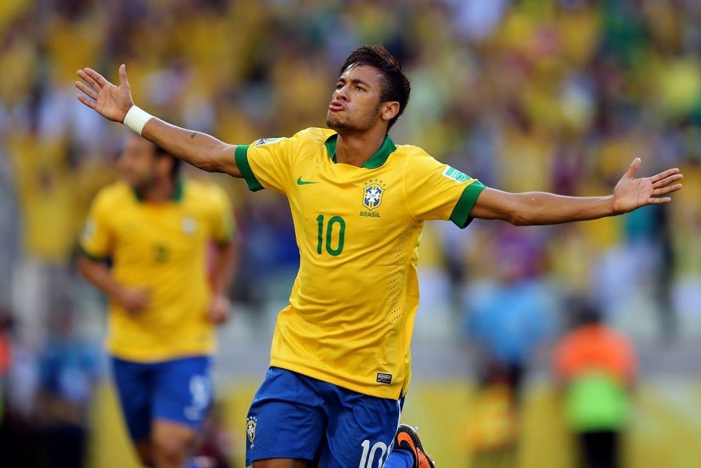 Neymar Jr. jogando pela seleção
