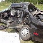 Carro destruído (PRF)