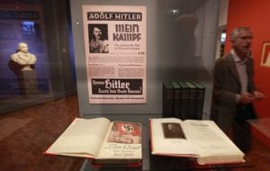 O livro Mein Kampf (yadvashem)