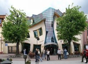 Shopping Krzywy Domek, Sopot, Polônia (Topory)