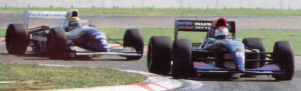 Senna atrás de Roland, uma imagem que não necessita de comentários (F1 Nostalgia)