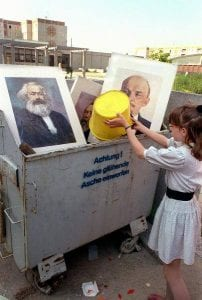O fim do Comunismo na Europa: uma imagem que Cubanos desconhecem (Reprodução)