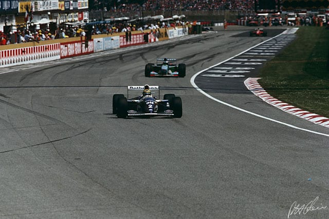 Senna perseguido por Schumacher, a última briga do brasileiro na pista (Monumental Fórmula)