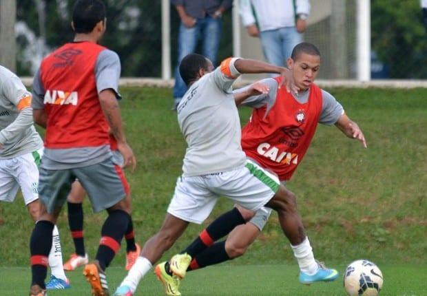 Atlético-PR superou o Verdão (Gustavo Oliveira/CAP)