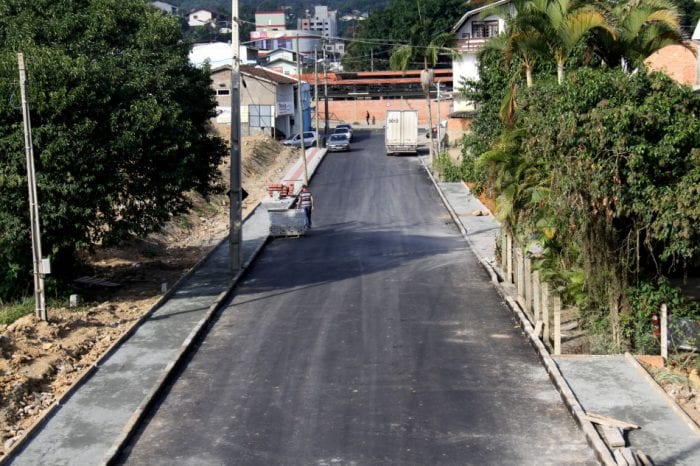 Rua Bruno Hoeltgebaum (Marcelo Martins)