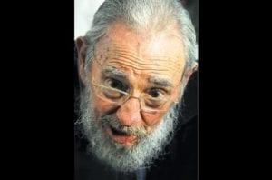 Exposição cuidadosa da imagem de Fidel preserva o mito caudilho (Reprodução)