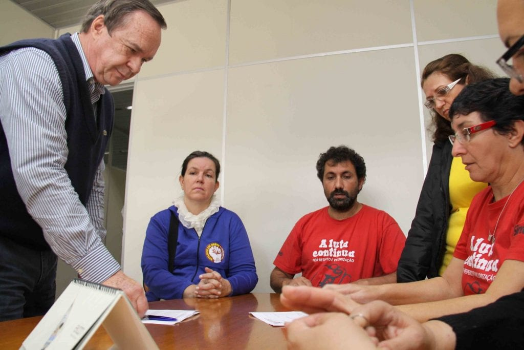 Administração apresenta proposta para o Sintraseb (Marcelo Martins)