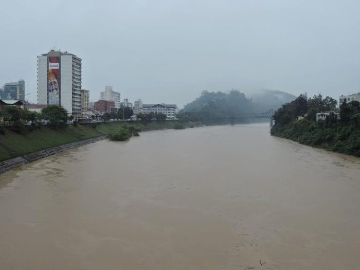 Rio Itajaí-Açu (Jaime Batista)