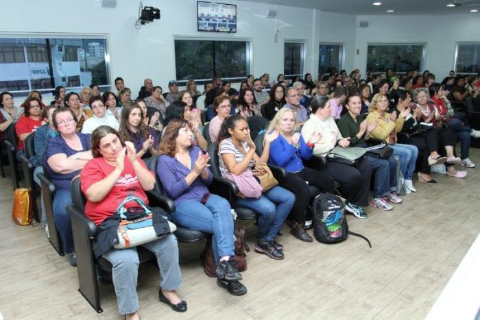 Aproxidamente 100 servidores acompanharam a Sessão (Renan Olaz | Agência CamaraBlu)
