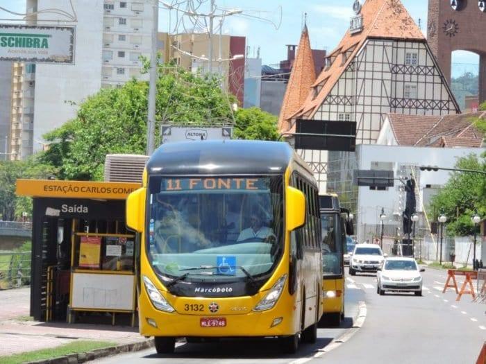 Ônibus do transporte coletivo de Blumenau (Jaime Batista)