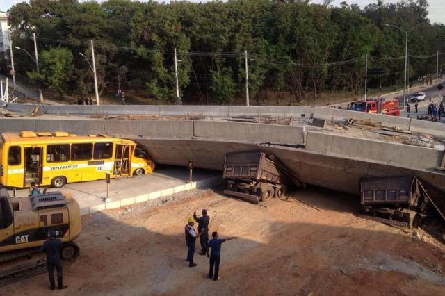 O trágico desabamento do viaduto da Avenida Pedro I, na capital mineira (Estadão)