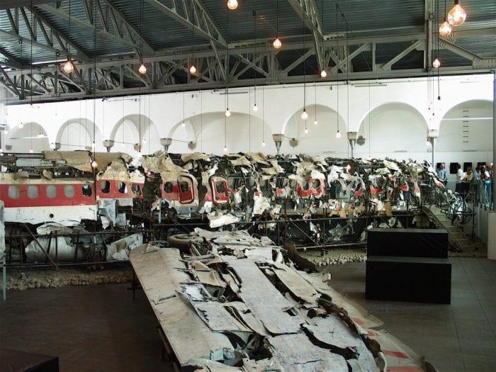 Restos do Douglas DC-3 da companhia italiana Itavia, autoria do disparo é um mistério até hoje (Wikipédia)