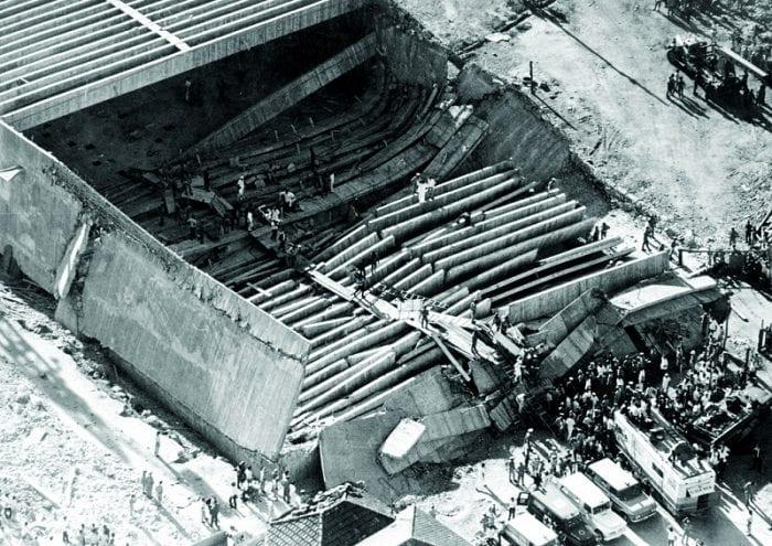 O impressionante cenário do que sobrou de parte do Pavilhão da Gameleira. Embaixo, os corpos de 69 operários (espaço Húmus)