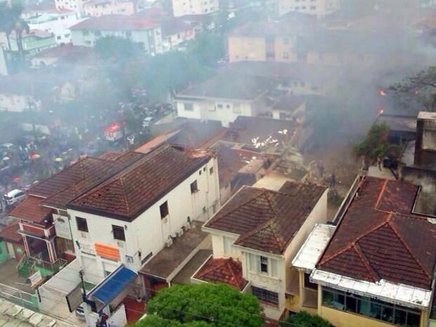 Local onde o avião caiu (Globo.com)