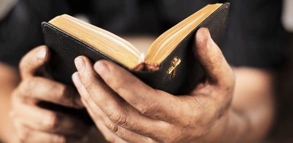hands_bible2