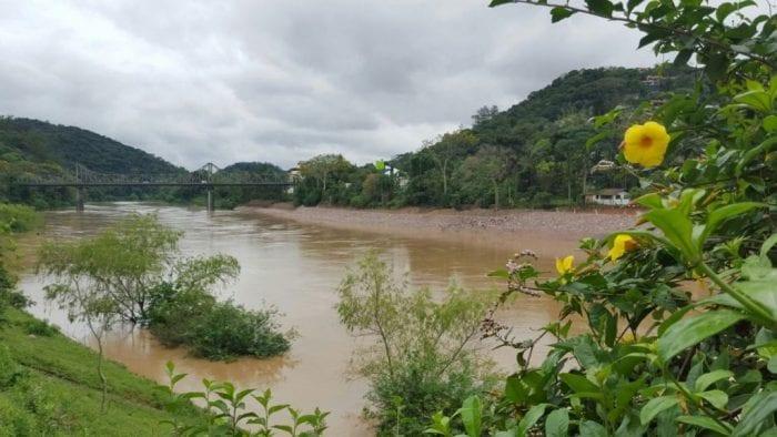 Rio Itajaí-Açu