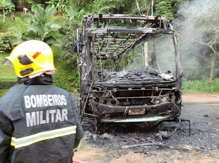 Ônibus incendiado na Velha (Jaime Batista)