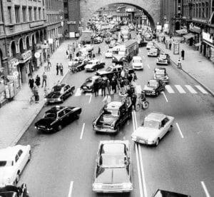 Assim estava o centro de Estocolmo na manhã seguinte ao Dagen H (Hemmings Daily)