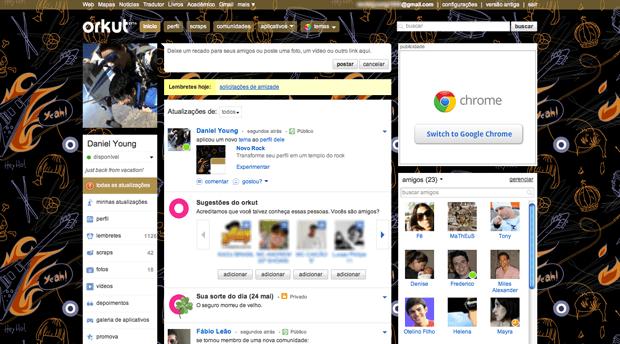 Mesmo sofrendo a debandada de usuários, o Orkut seguiu recebendo aprimoramentos, como troca de temas e chat (Techtudo/UOL)