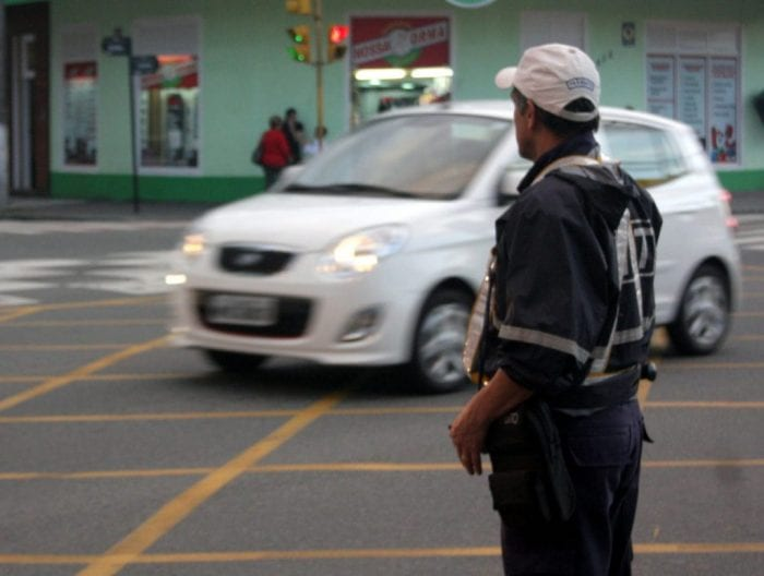 Guarda de trânsito (Farol Blumenau)