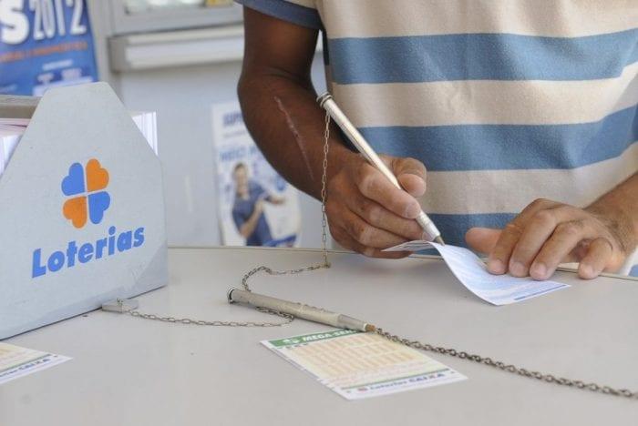 Mega-Sena acumula - foto de Elza Fiúza/ABr