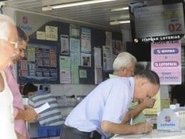 Apostadores em loteria - foto de Elza fiúza/ABr