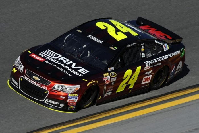 Jeff Gordon correu pela última vez uma Daytona 500. Ele se aposentará da categoria ao fim da temporada (Jared C. Tilton/Getty Images)
