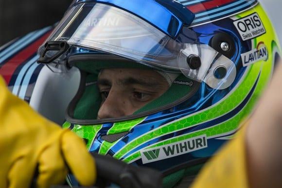 """""""O passo seguinte é vencer"""" atesta Massa nas primeiras voltas com o FW37 (Xavi Bonilla/Grande Premio)"""