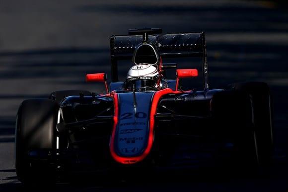 Magnussen, substituindo Alonso, e o McLaren-Honda. Promessa de troca de pintura não foi cumprida (ainda) (Getty Images)