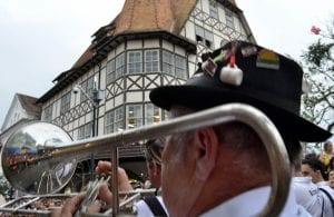 Desfile na Oktoberfest (Eraldo Schnaider)
