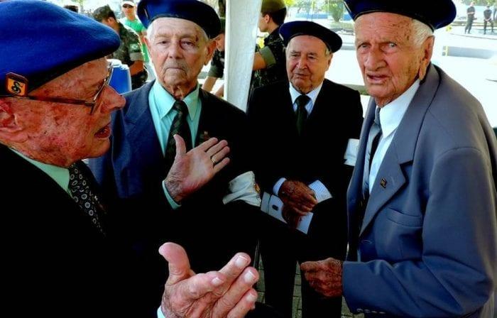Primeiro à esquerda, Arnoldo Müller, que faleceu neste sábado (Jaime Batista)