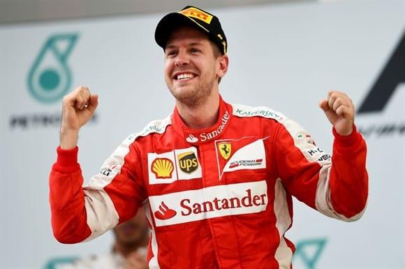 Vettel vence na Malásia: O hino alemão volta a tocar para um piloto da Ferrari (Getty Images)