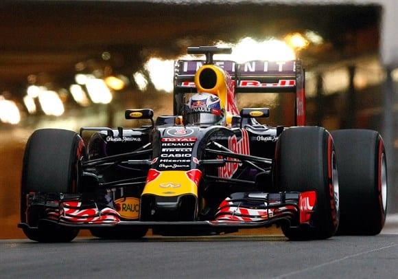 Riccardo andou forte e premiou e, junto com Kvyat, fez a melhor atuação da Red Bull na temporada até agora (AP)