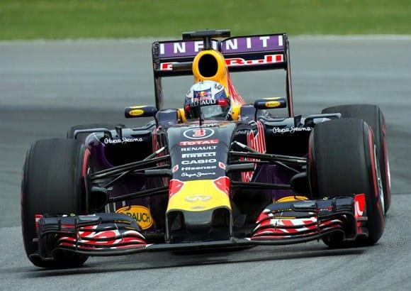 Riccardo em atuação apagada e sem pontos. O vencedor da prova canadense em 2014 sofre com os problemas na Red Bull (AP)