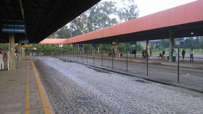 Terminal Aterro vazio por volta das 8 horas da manhã (Jackson Silva)