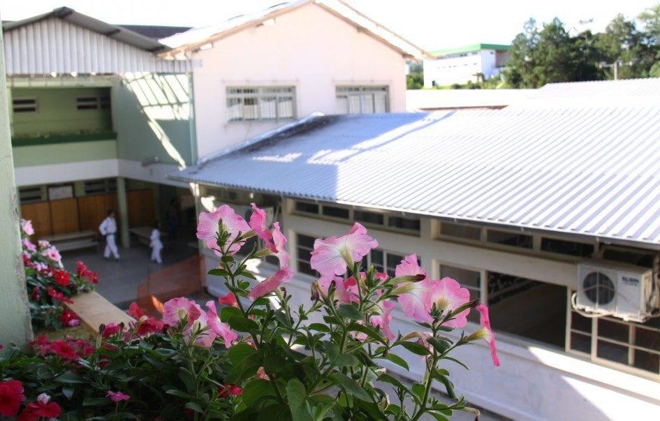 Escola BásicEscola Básica Municipal Lauro Müller - foto da Prefeitura de Blumenaua Municipal Lauro Müller