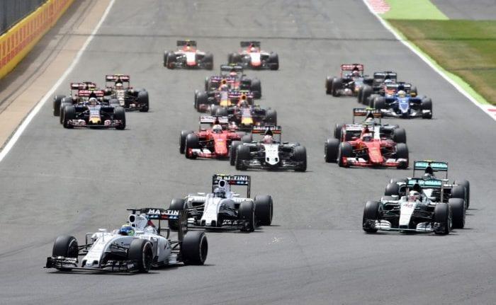 Na largada, Mercedes é surpreendida com bote das Williams de Massa e Bottas (AFP)