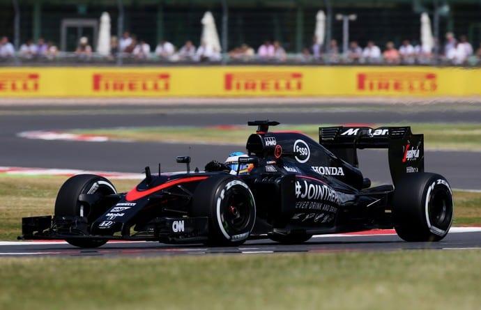 Em corrida conservadora, Alonso conquistou o 10º lugar e o primeiro ponto na temporada (Reuters)