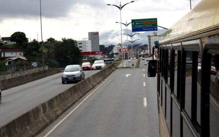 Prefeitura realiza serviço de fresagem na Via Expressa (Marcelo Martins)