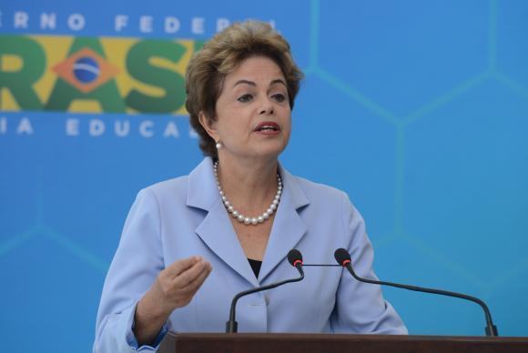Dilma: melhora na situação dos reservatórios permitirá redução do valor adicional