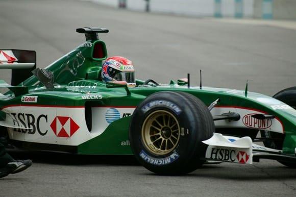 Depois de corridas difíceis com a Minardi, Wilson é chamado pela Jaguar para as oito corridas finais em 2003 (AP)