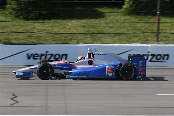 Wilson com o carro da Andretti nos treinos em Pocono (IndyCar)