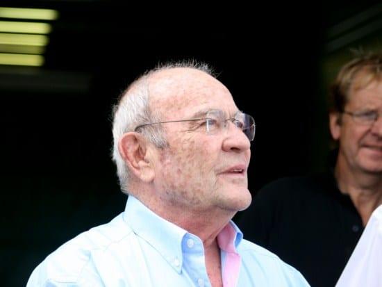 Guy Ligier nos últimos tempos. Ausente dos autódromos, mas para sempre lembrado na F1 e no automobilismo francês (AP)