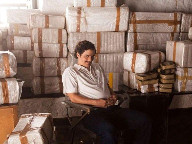 "Na série NARCOS o ator Wagner Moura interpreta o ""famoso"" traficante Pablo Escobar."