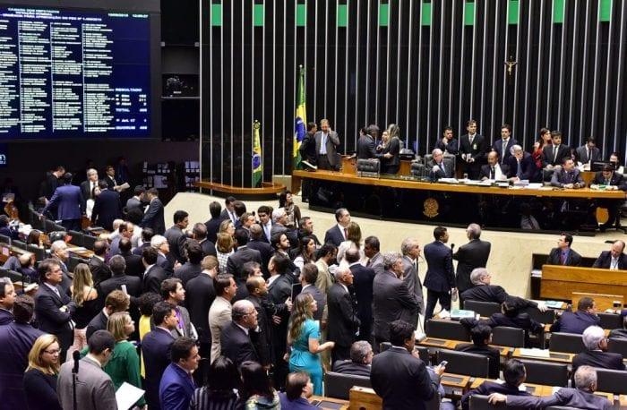 Câmara aprova nova regra do Imposto Sobre Serviços para barrar guerra fiscal (Zeca Ribeiro / Câmara dos Deputados)