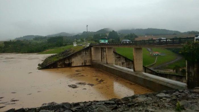 Sobre-elevação da barragem Sul reduz risco de cheias (Defesa Civil Ituporanga)