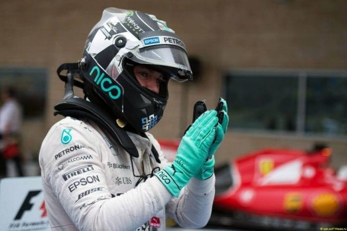 Rosberg festeja a pole, mas acabaria o dia emburrado e derrotado por um erro tosco (Price / XPB Images)