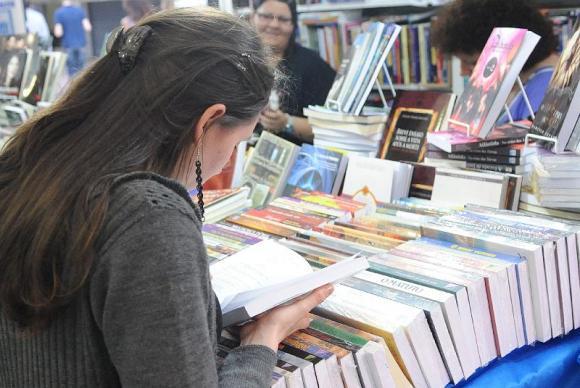 Aumento nas vendas foi 0,8% em volume e 2,2% em valor, alcançando um total de R$ 112,6 milhões. (Agência Brasil)
