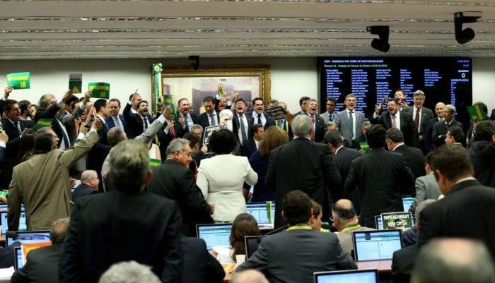 Brasília - A Comissão Especial do Impeachment da Câmara dos Deputados aprovou o parecer do relator Jovair Arantes pela admissibilidade da abertura do processo de afastamento da presidenta Dilma Rousseff. Foram 38 votos a favor e 27 contrários (Wilson Dias/Agência Brasil)